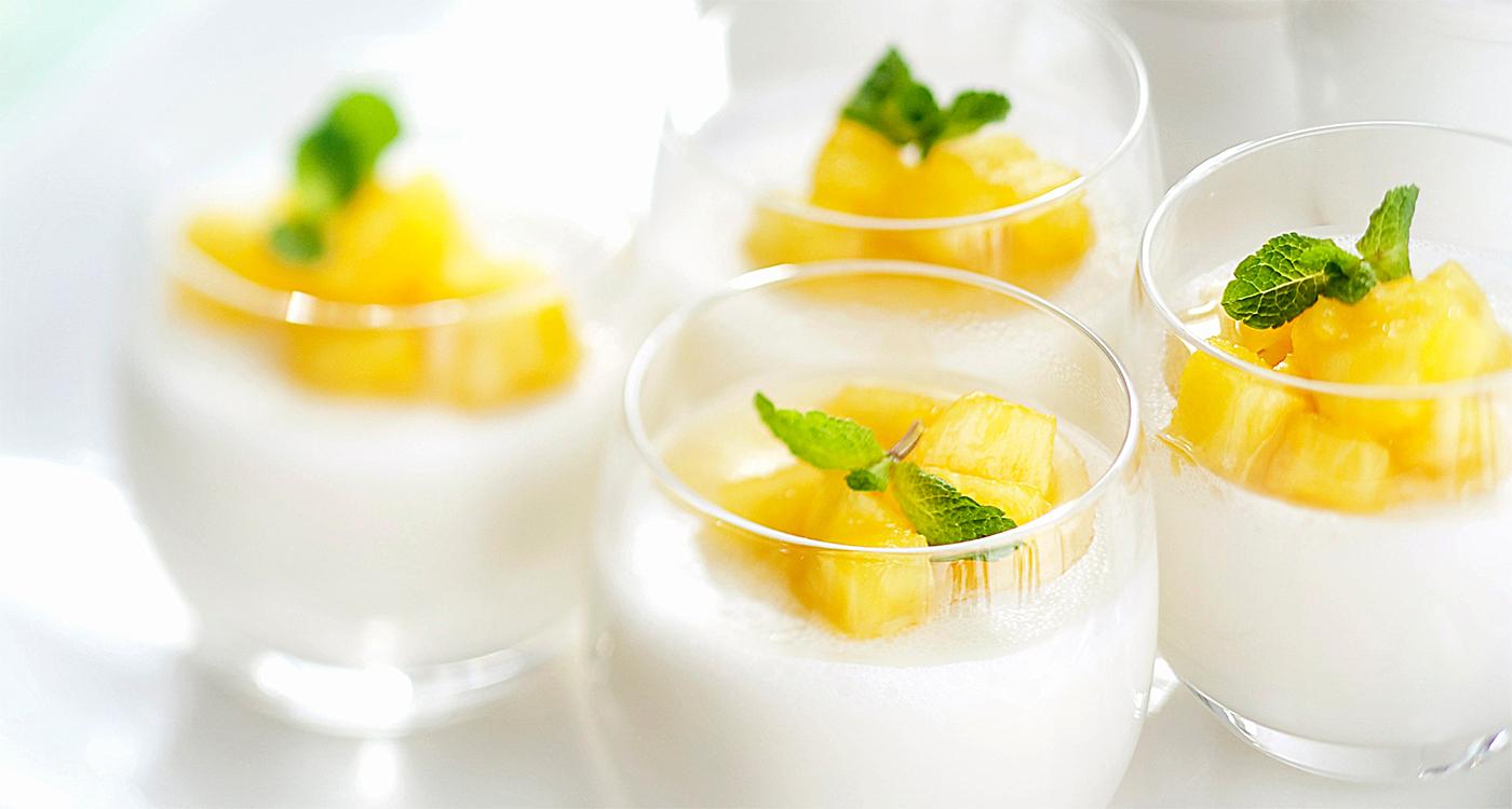 Jälkiruoka ananas pannacotta