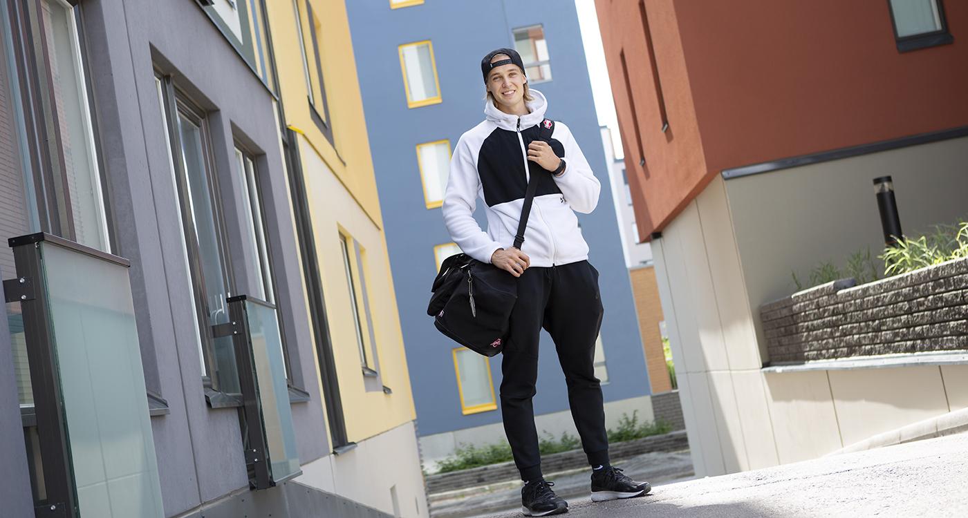 Bloggari Aaro Huttunen asettui Lumo-kotiin Härmälään