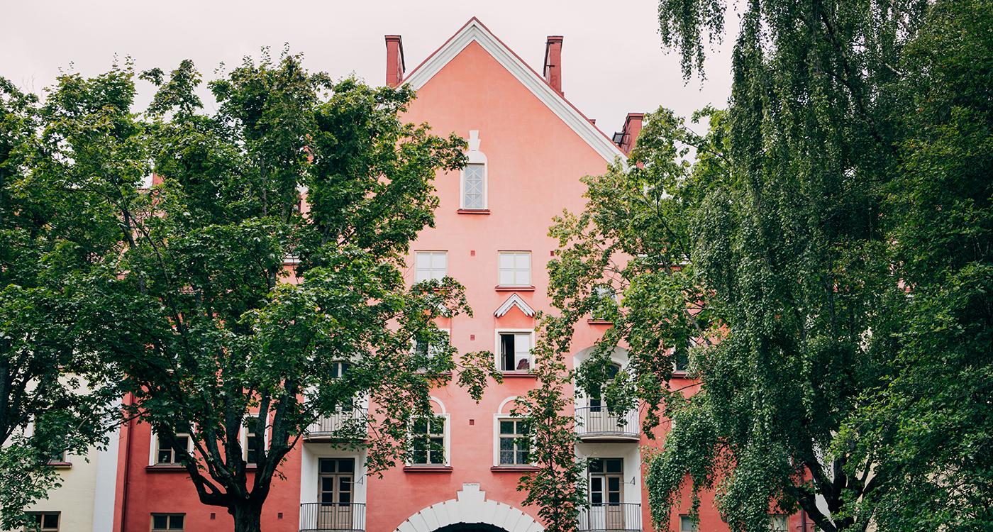 The stunning block courtyard of the Apinalinna Lumo homes